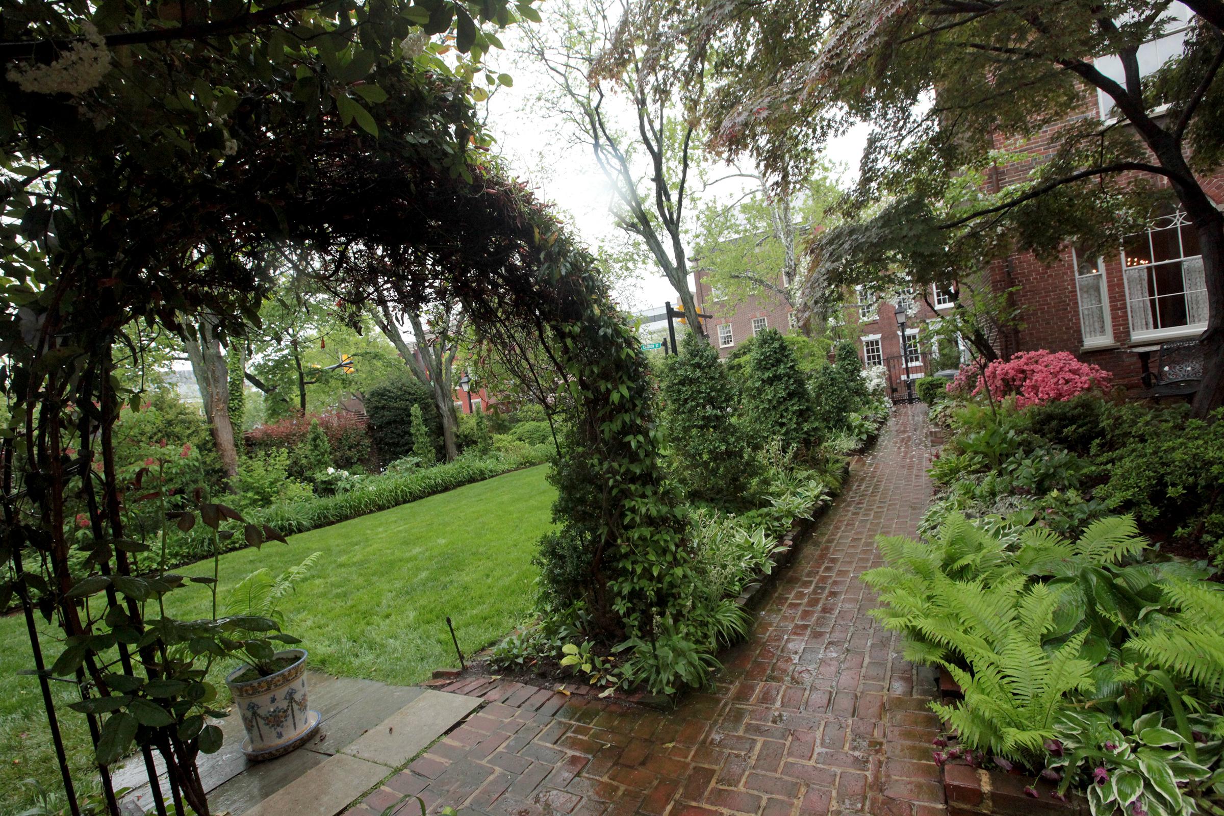 Slideshow Scenes At The 2017 Historic Garden Week Tour