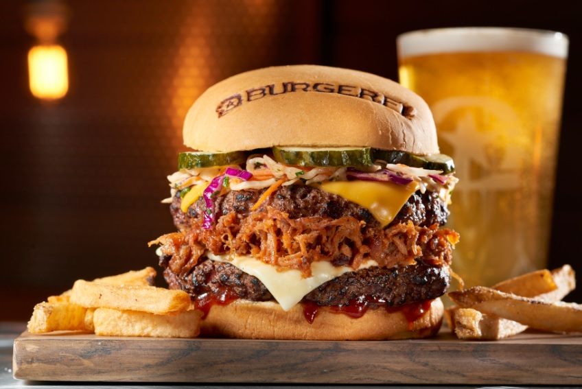 burgerfi closes old town location
