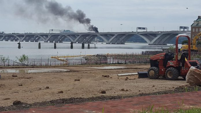 One fatality after multiple cars catch fire on Woodrow Wilson Bridge