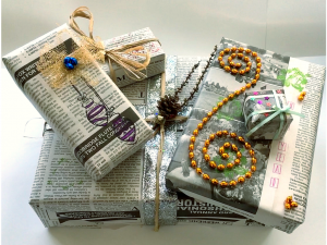 Recycled Wrapping @ Kate Waller Barrett Branch Library   Alexandria   Virginia   United States